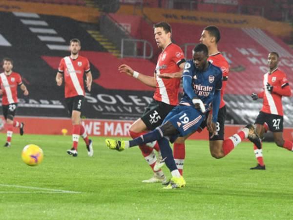 Pepe ghi bàn thắng quân bình tỷ số 1-1 cho Arsenal.