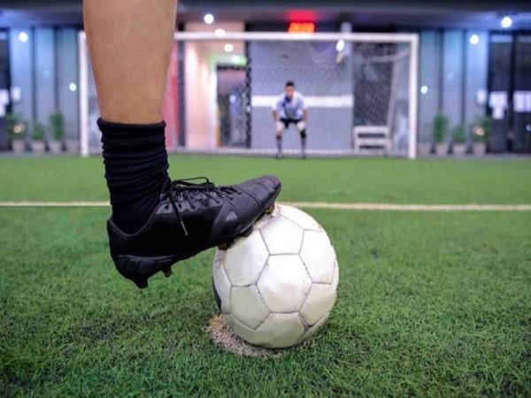 Đá phạt penalty là gì? Luật đá penalty theo FIFA?