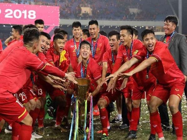 Aff cup mấy năm tổ chức 1 lần?